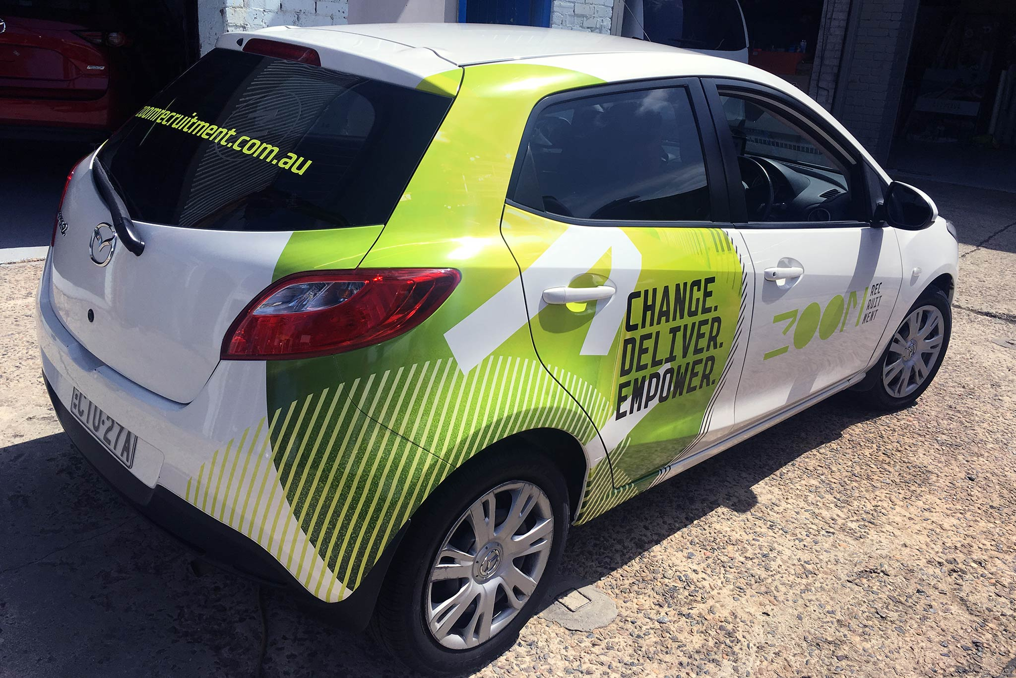 zoom-recruitment-vehicle-wrap_10