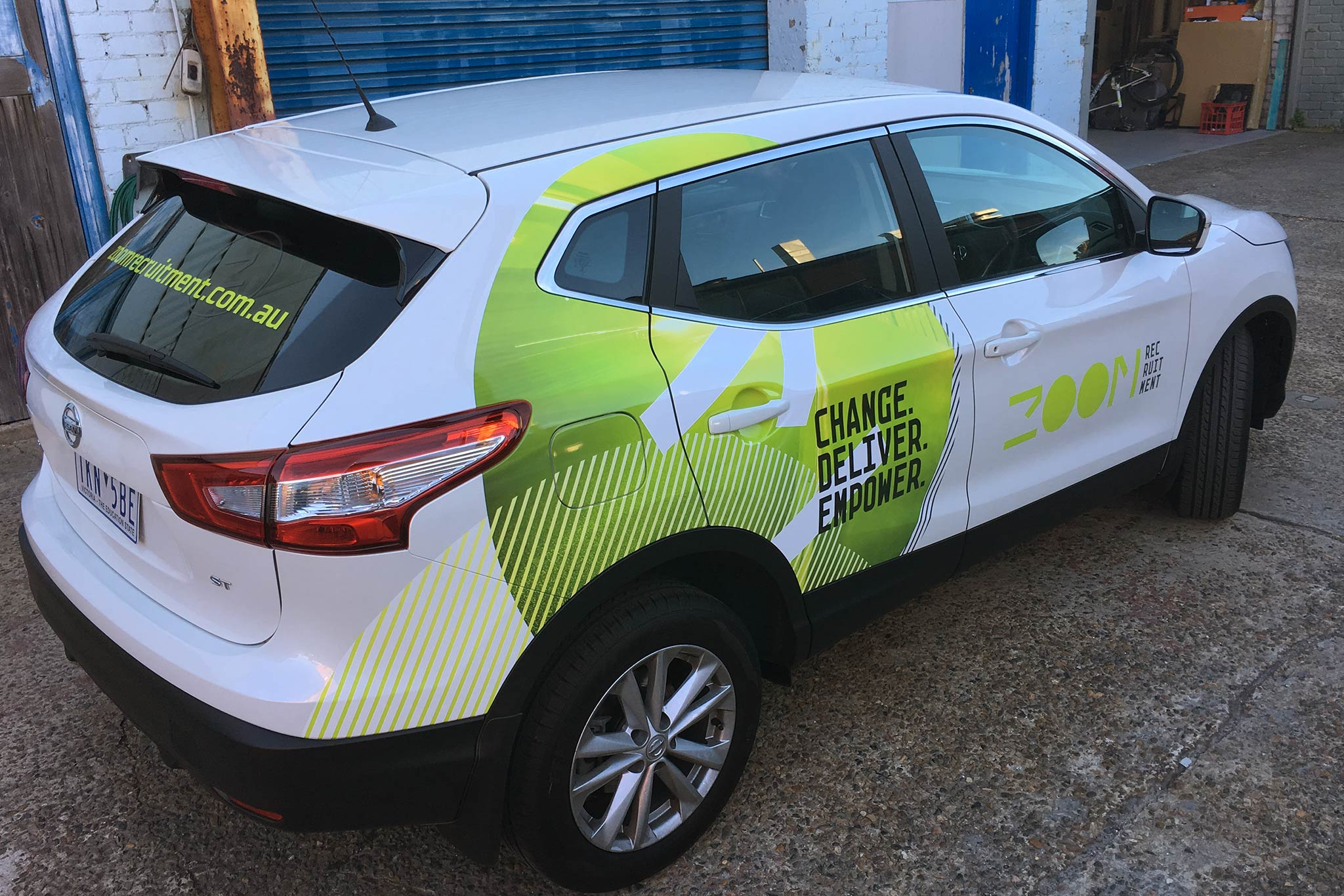 zoom-recruitment-vehicle-wrap_4