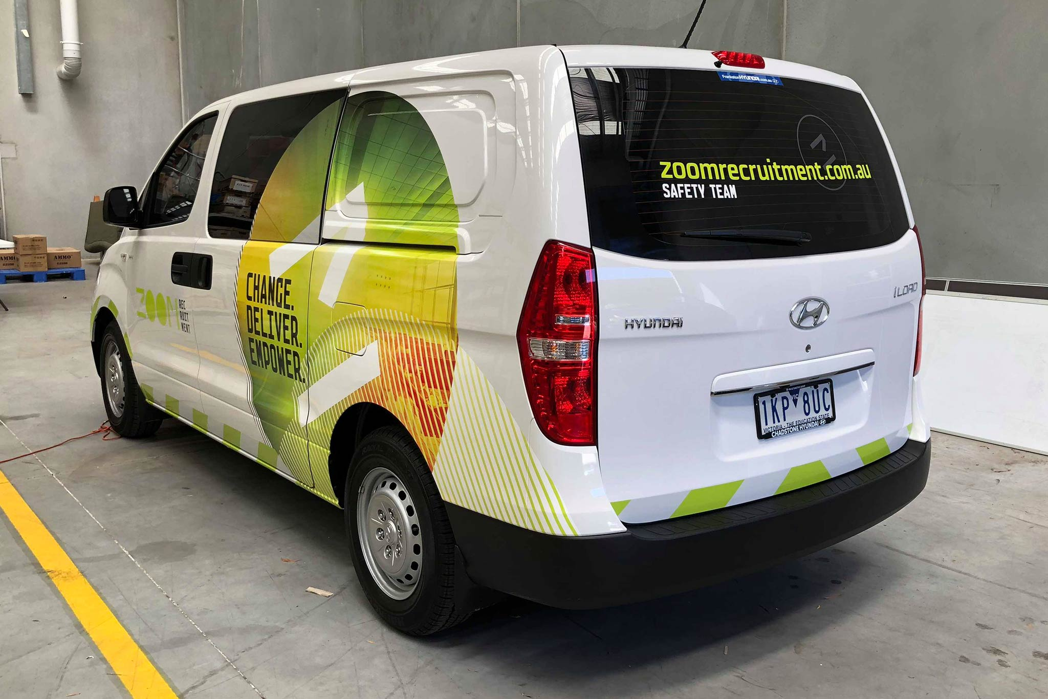 zoom-recruitment-vehicle-wrap_8